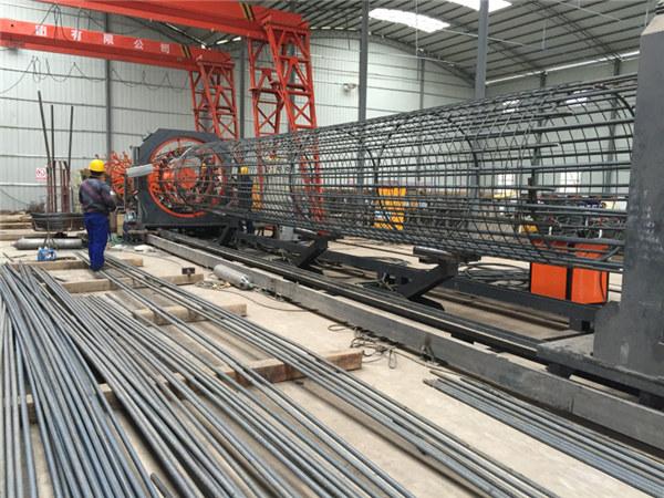 Plej bona prezo soldato drato mesh roll maŝino, plifortigante kaĝo kudro welder diametro 500-2000mm